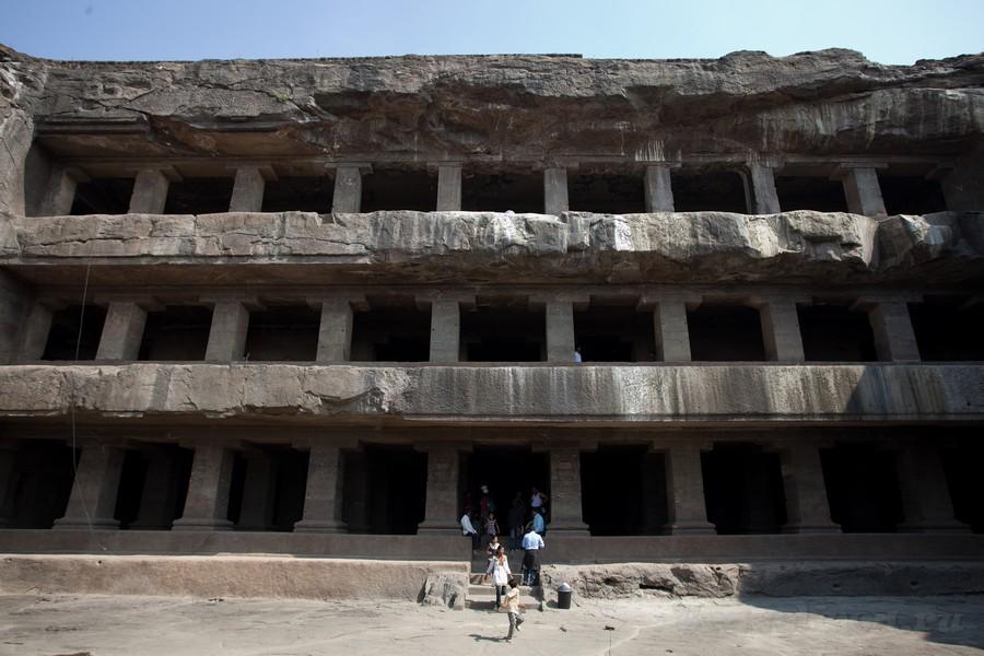 пещерные монастыри Индия