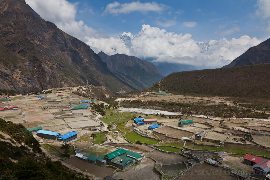 деревня Таме в Непальских гималаях