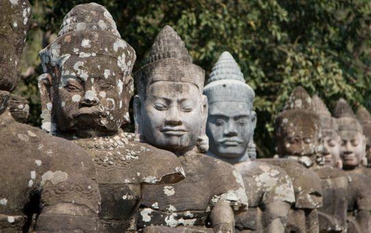 Потрясающий воображение храмовый комплекс Ангкор